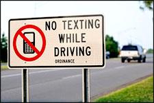 no-texting-robotcar